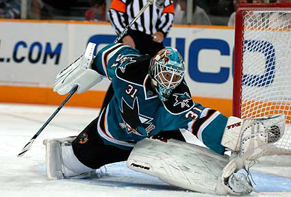 San Jose Sharks looking to trade Antti Niemi.