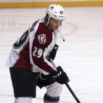 Nathan MacKinnon breaks Gretzky record