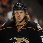 Ducks trade Hagelin to Pittsburgh for Perron, Clendening