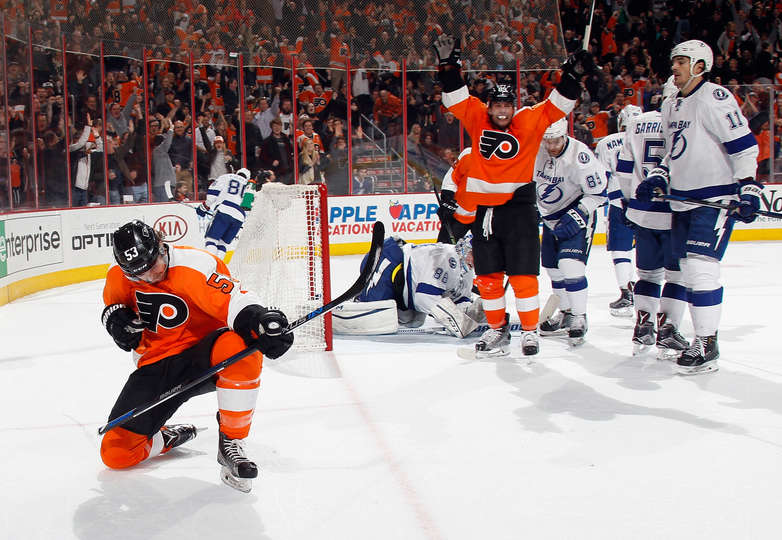 041917fae Gostisbehere leads Flyers to key win