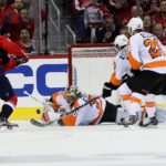 Flyers' Neuvirth spectacular in Game 5 win