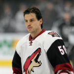 Coyotes to buy out remaining year of Antoine Vermette's contract
