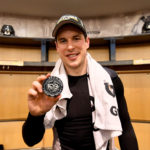 Sidney Crosby earns 1000th NHL Point