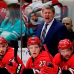 Bill Peters resigns as Hurricanes' head coach
